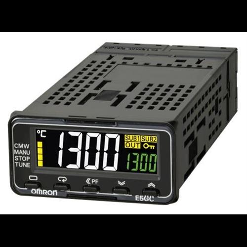 OMRON E5GC-QX1ACM-000 hőmérséklet szabályzó