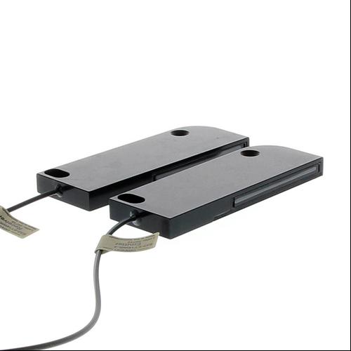OMRON E32-ET16WR-2-2M optikai érzékelő